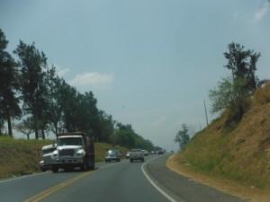Carretera actual por el peaje de Naranjo