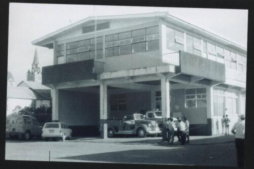 Edificio de los bomberos y la Municipalidad