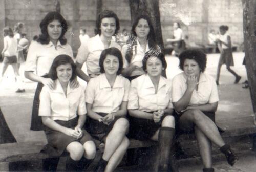 Ana Rosa Campos, Leda Quesada, Lorena Badillo, Flor Monge  y otros campañeros
