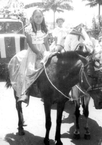 A la izquierda, Silvia Arias González
