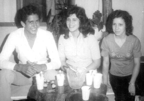Al centro Heidy Amores Hernández y Sonia Morales Ugalde